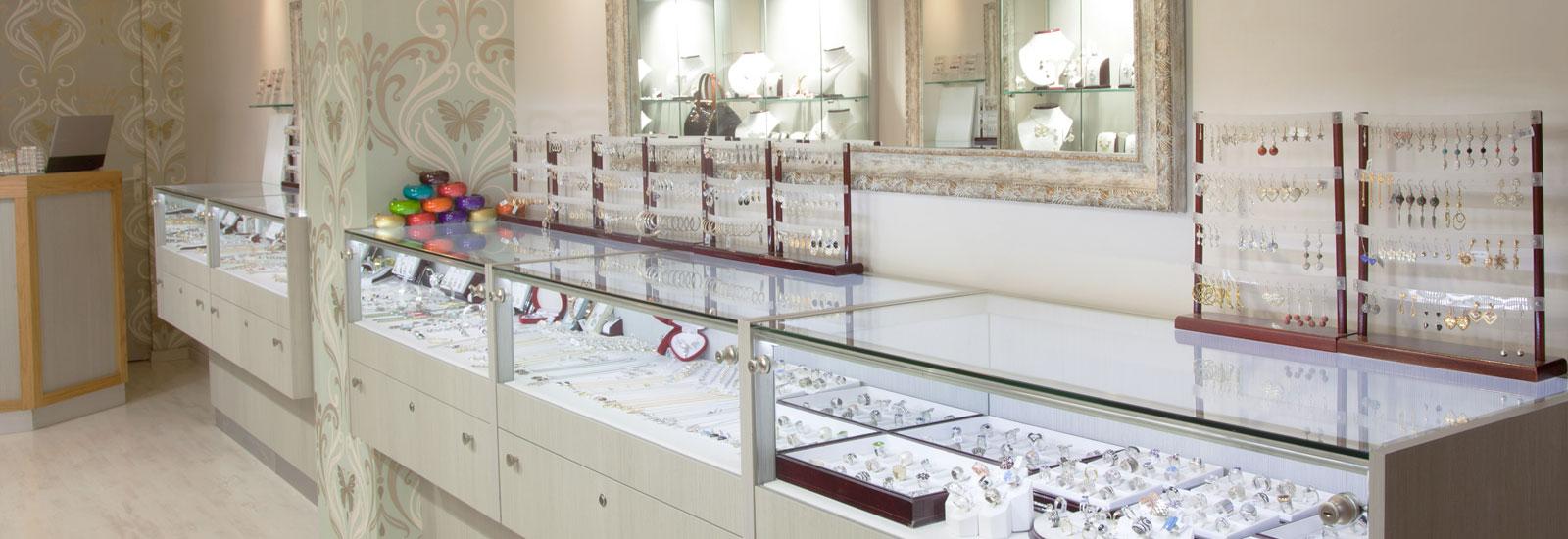 מעצבת חנויות תכשיטים, עיצוב פנים לחנות תכשיטים, עיצוב חנויות תכשיטים